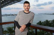 Juanes Talks Teaming With Logic For '1-800' Spanish Remix: 'Art Is Such a Powerful Weapon'