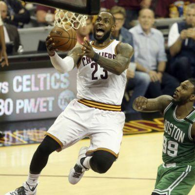 Marla Ridenour: After a tough four quarters that showed vulnerability, Cavaliers coach Tyronn Lue, LeBron James step up