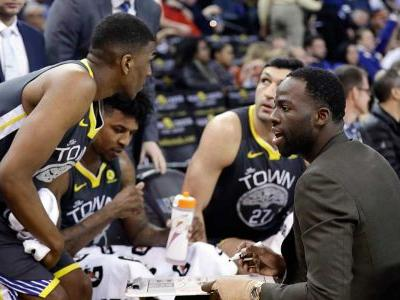 Kerr turns huddles over to players as Warriors crush Suns