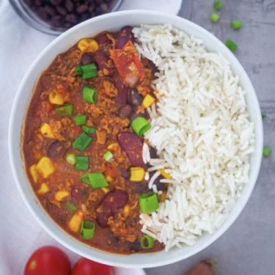 Easy Chili Recipe with Beans