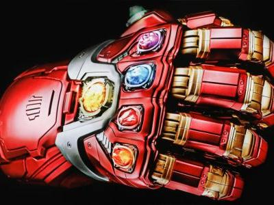 Iron Man's Infinity Gauntlet Is The Coolest New Avengers: Endgame Toy