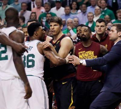 Celtics, Cavs scuffle in first half of Game 5