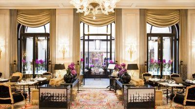 Four Seasons Hotel George V, Paris Crowned with 5 Awards by The 2016 Gallivanter's Awards