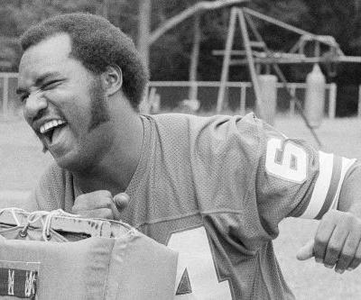 John Mendenhall, former Giants tackle, dead at 72
