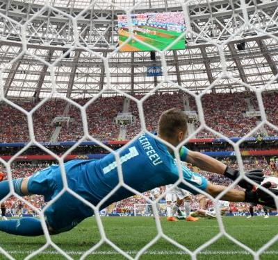 Spain 1 Russia 1 : Akinfeev the shoot-out hero in huge World Cup shock