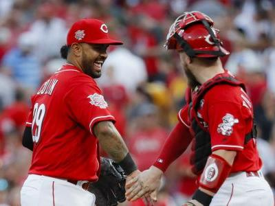 Mets stumble in their playoff push with 3-2 loss to Reds