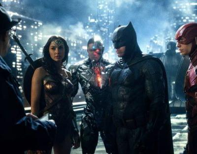 Daily Podcast: Assessing The Justice League Aftermath, Box Office, Zack Snyder's Cut, Reshoots & End Credit Scenes