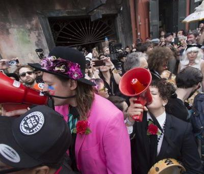 """Arcade Fire & Preservation Hall Jazz Band Join Forces For New Song """"Ann Ale! """""""