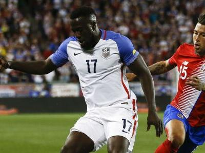 Altidore disputes suspension-triggering yellow card: 'It's pretty disgraceful'
