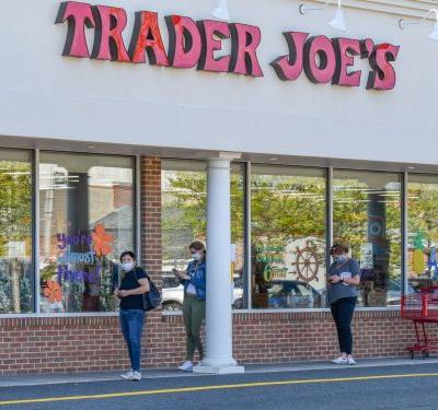 Trader Joe's and Other Grocers Will Pay Employees to Get Vaccinated