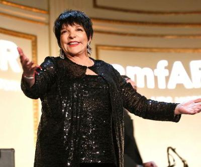Liza Minnelli performs for VIP crowd at Dolce & Gabbana show