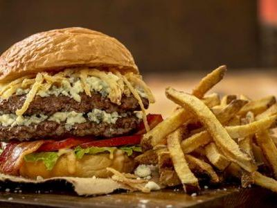 Better Burgers in Berlin: MOOYAH Burgers, Fries & Shakes Opens Newest Massachusetts Location