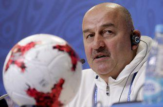 Russia coach has comic touch at Confederations Cup