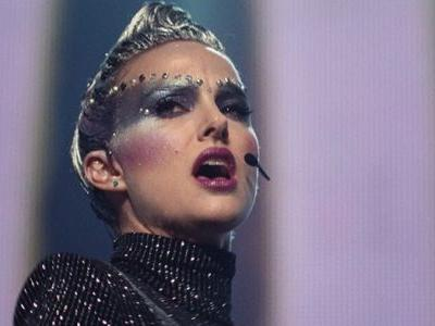 Natalie Portman is captivating as a tormented pop star in Vox Lux