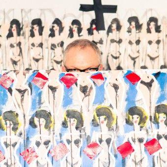 Donald Robertson Paints Everyone Taller and Impossibly Chic. It's a Winning Formula