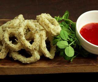 How to Cook Crispy Salt and Pepper Squid