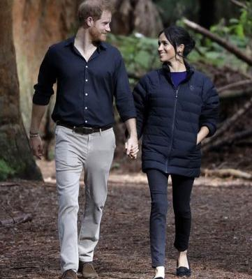 10 Photos Of Meghan Markle & Prince Harry Gazing Into Each Other's Eyes That Are Too Cute