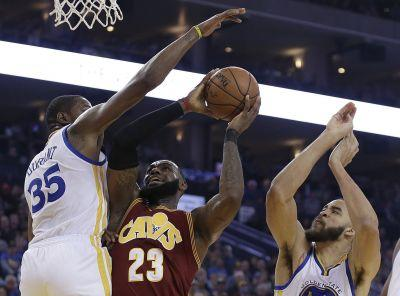 Draymond Green assessed flagrant foul for open-court tackle of LeBron James