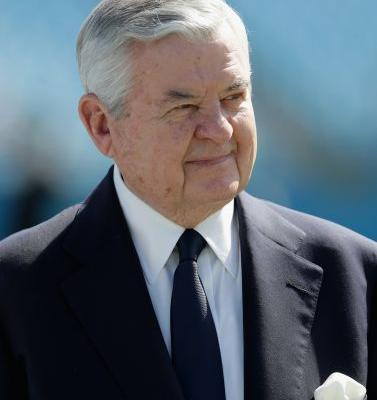 Jerry Richardson will sell Carolina Panthers amid sexual misconduct allegations
