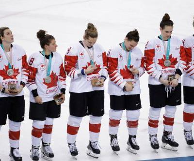 Shootout loss sends Canada to silver medal in women's hockey