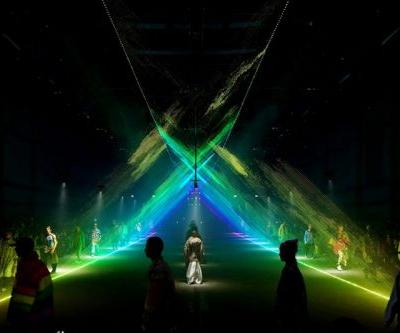 United Visual Artists Discusses Its Installation for Burberry's London Fashion Week Show