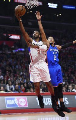 Clippers guard Chris Paul sprains left thumb against Thunder