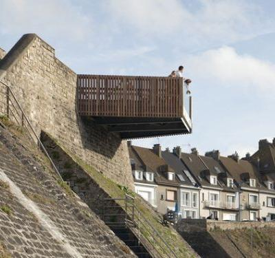 The Seaside Balconies / Pseudonyme