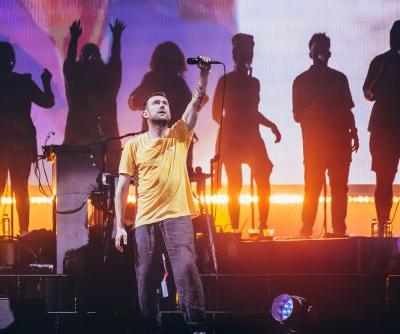 "Watch Gorillaz Cover ""Song 2"" With Blur's Graham Coxon"