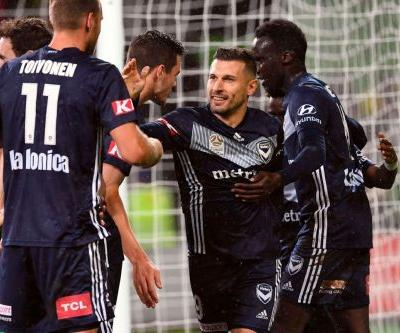 Melbourne Victory down Wellington Phoenix to march on in A-League finals