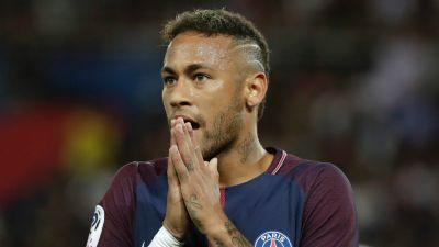 VIDEO: Barcelona tribute brings Neymar to tears