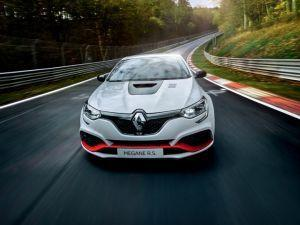 Renault Megane RS Trophy-R Crowned The New FWD Nurburgring King