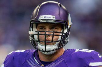 Vikings G Easton likely lost for season after neck injury