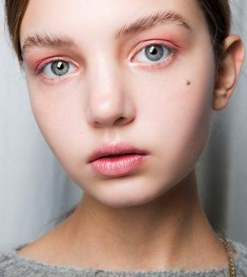 The Definitive Guide to Growing Out Your Eyebrows