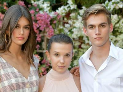 Zendaya, Kaia Gerber, Haim & More Came Out for a Theatrical CFDA/'Vogue' Fashion Fund Show in LA