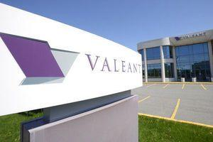 Drugmaker Valeant tops 1Q profit forecasts, chops debt again