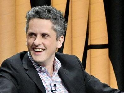 Box's Aaron Levie has some hilarious advice for Dropbox's Drew Houston on how to be CEO of a public company