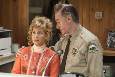 'Twin Peaks' revival off to slow and weird-as-ever start