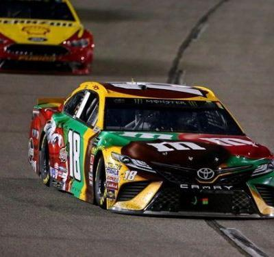 Kyle Busch pulls away to win at Richmond