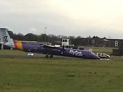 This plane made a dramatic emergency landing in Belfast with no nose gear