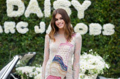 Kaia Gerber on Her Mom's Best Beauty Advice, 13 Reasons Why, and Harry Styles