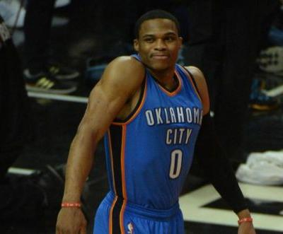 Watch: Russell Westbrook thanks fans at Oklahoma comedy show after trade to Rockets