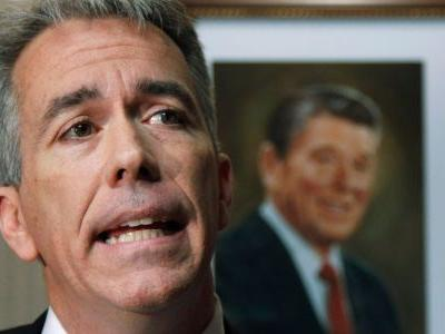 Former Tea Party congressman and recent Trump critic Joe Walsh considering throwing his hat into the ring for the Republican presidential nomination