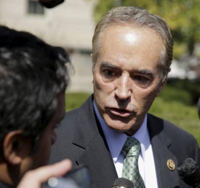 GOP Rep. Chris Collins abandons his bid for reelection amid insider trading allegations