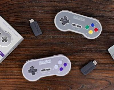 8Bitdo is making wireless controllers for the SNES Classic