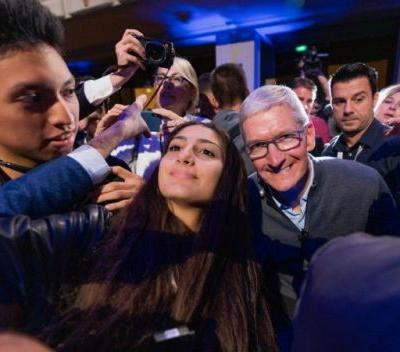 Tim Cook Talks Cryptocurrency, Quality Journalism, Privacy and More on European Tour