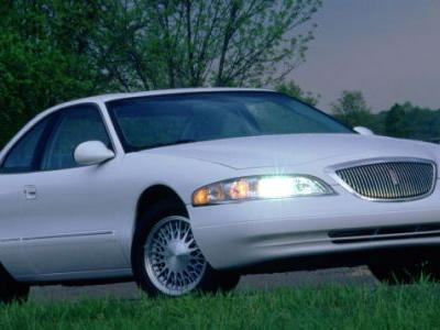 This President's Day, indulge in the true luxury of the Lincoln Mark VIII, just like the man who inv
