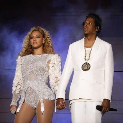 Beyoncé and Travis Scott both had stage invaders this weekend