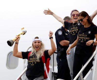 US World Cup champs land in Newark and dance on the tarmac