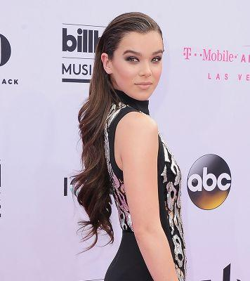 The Weird Product That Made Hailee Steinfeld's Hair So Sleek and Shiny