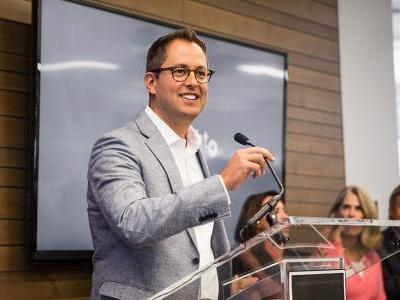 Online tech training company Pluralsight pops big in its IPO even as its founder maintains voting control